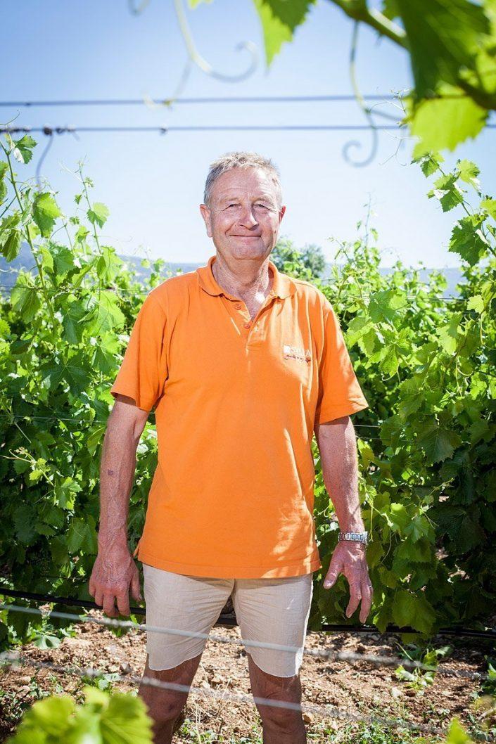Raymond Hugues, viticulteur, St Saturnin Les Apt, Luberon, France - 2016/06/22 © Denis Dalmasso